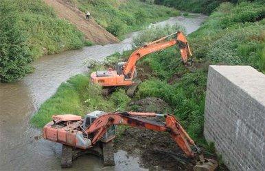 سالانه ۶۰۰ کیلومتر از رودخانه های گلستان نیازمند لایروبی است/ ۳۰ میلیارد تومان نیاز اعتباری سالانه لایروبی