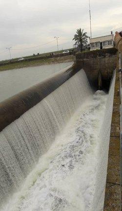 کاهش سرریز سدهای استان ادامه دارد
