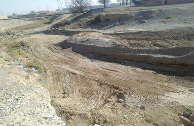 آزادسازی ۸۰۰ مترمربع از بستر رودخانه لات آجی در شهرستان پاکدشت