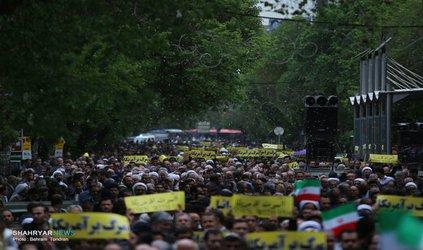 راهپیمایی نمازگزاران تبریز در حمایت از بیانیه شورای عالی امنیت ملی