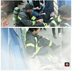نجات بانوی ۶۰ ساله از میان تل آتش و دود / آتش نشانی رشت