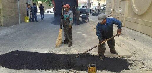 توزیع آسفالت در مسیر خیابان اوحدی و خیابان توحیدی
