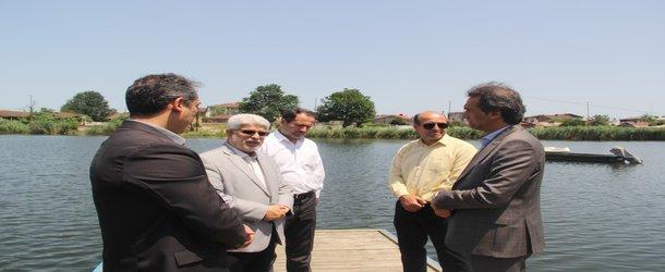 مدیریت شهری رشت زمینه را برای ورزشهای آبی در تالاب عینک فراهم می آورد