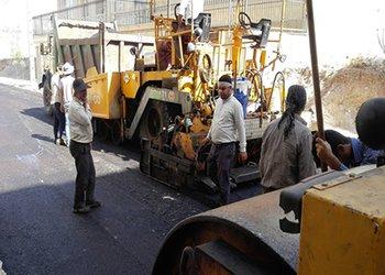 عملیات اجرایی آسفالت مکانیزه در معابر فرعی منطقه سه شهرداری قزوین آغاز شد