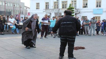 اجرای تئاتر خیابانی «توهم» در دوازدهمین هفته از فصل دوم پروژه تئاتر خیابانی دائم به گزارش تصویر
