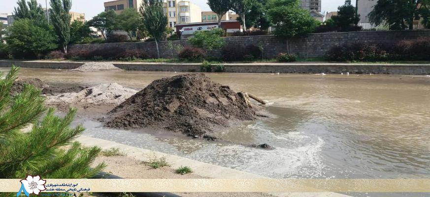 لایروبی و ساماندهی مهرانه رود به منظور هدایت صحیح آبهای سطحی
