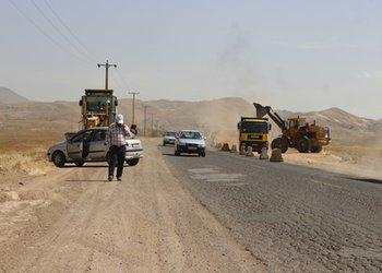 تعریض باند شرقی جاده اسماعیل آباد در حال اجرا است