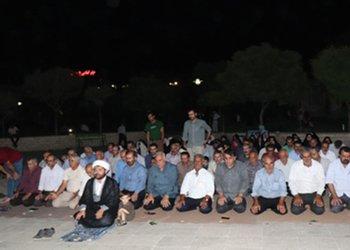 نماز جماعت در هفت بوستان شهر قزوین اقامه می شود