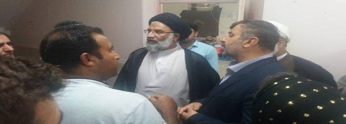 بازدید شبانگاهی مدیر کل مدیریت بحران استان به همراه نماینده ولی فقیه از سیل زدگان شیرین شهر
