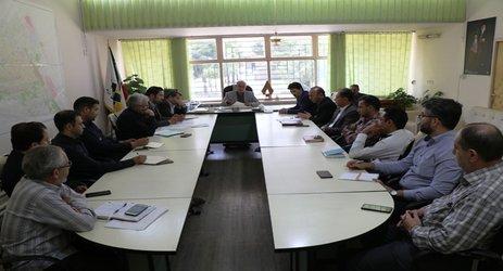 اولین نشست کمیته حفاری فاضلاب شهری در محل دفتر شهردار زرند برگزار شد .