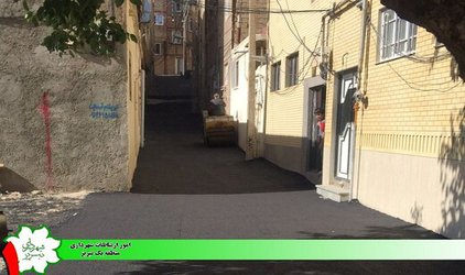اجرای آسفالت به میزان ۵۰ تن در مسیر خیابان شهید شفیع زاده