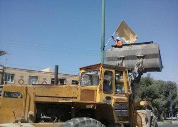 به مناسبت ۱۰ تیر سالروز آزادسازی مهران خیابانها و معابر این شهر آذین بندی شد
