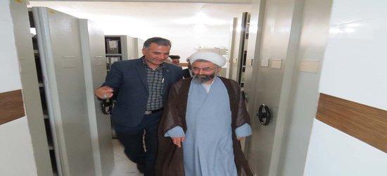 تجلیل امام جمعه طبس از خدمات شهرداری ها به مناسبت ۱۴ تیرماه