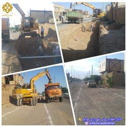 ادامه عملیات حفاری کانال دفع آبهای سطحی انتهای خیابان ۷۲ تن شهید