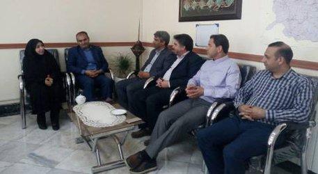 حضور شهردار به همراه تعدادی از مسئولین شهرداری در بهزیستی چناران