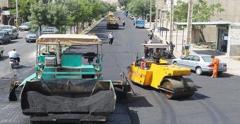 عملیات جهادی آسفالت ریزی در معابر سطح شهر به روایت تصویر