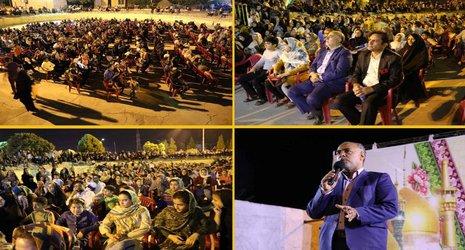 با حضور جمعی کثیری از شهروندان زرندی : اولین شب از جشنهای دهه کرامت برگزار شد .