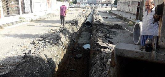 اجرای عملیات لوله گذاری جمع آوری آبهای سطحی فاز ۲ فرهنگیان