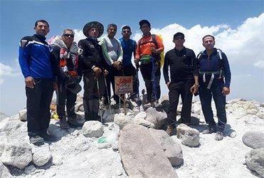 صعود تیم کوهنوردی شرکت آب و فاضلاب استان به قله تفتان