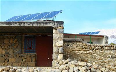 اجرای طرح جهاد روشنایی  در چهارمحال وبختیاری  با نصب پنل های خورشیدی در روستاها