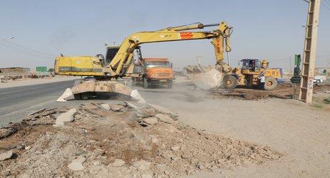 مهندس مهدلوشهردار زرند از پروژه آرام سازی و ایمن سازی مسیر ورودی بلوار دفاع مقدس به کمربندی رفسنجان خبر داد .