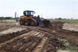 تخریب اراضی سبزی و صیفی کاری غیر بهداشتی با حکم قضایی در شهریار