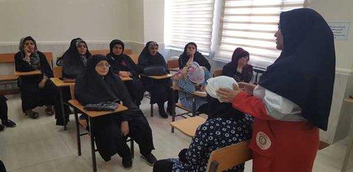 برگزاری کلاس های مختلف در خانه محله شهرداری خوی