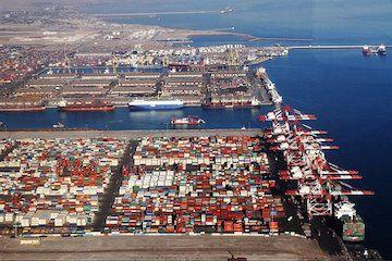 افزایش مبادلات تجاری با کشورهای همسایه ضرورت درود / ظرفیت بالای بنادر برای جذب سرمایهگذاری و رونق اقتصادی کشور