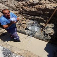 انجام عملیات اصلاح خط لوله آب شهر بندرامام در عمق 5 متری