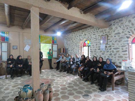 بازدید جمعی از شهرداران و مدیرکل شهرداریهای اصفهان از آسیاب آبی خوانسار