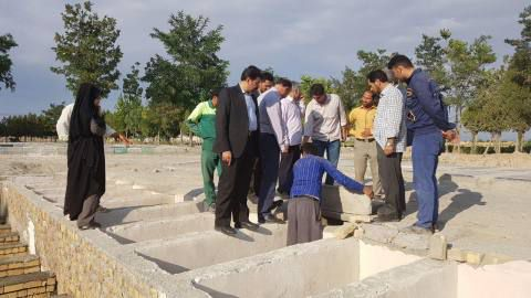 بازدید اعضای شورای شهر از ابنیه و قبور دوطبقه بهشت زینب