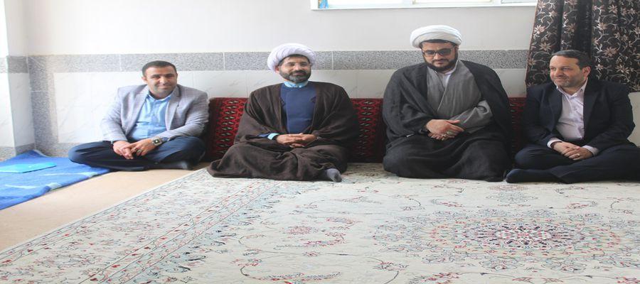 نشست مشترک مدیرکل بنیاد مسکن استان با رئیس دادگستری شهرستان میامی در روستای حسین آباد کالپوش