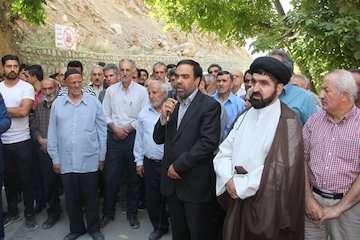 بهره برداری از آسفالت راه روستایی در بخش آسارا شهرستان کرج در هفته دولت