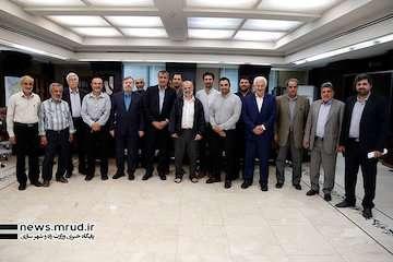 اعضای خانه کارگر به مناسبت هفته دولت با وزیر راه و شهرسازی دیدار کردند