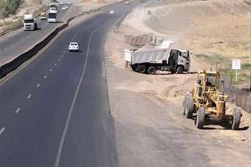 بازدید معاون وزیر راه شهرسازی از روند احداث بزرگراه کرمان – راور – دیهوک