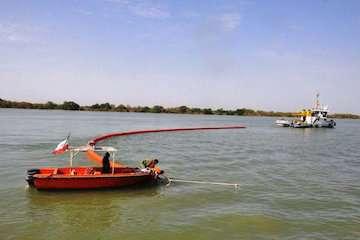 برگزاری مانور مقابله با آلودگی دریا در بندر خرمشهر