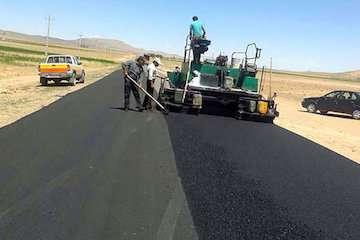 ۱۲۲ کیلومتر از محورهای مواصلاتی آذربایجان غربی روکش آسفالت و لکهگیری شد