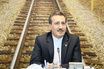 دستور وزیر راه و شهرسازی برای افزایش سرعت قطار سریعالسیر تهران-قم-اصفهان به ۳۰۰ کیلومتر در ساعت