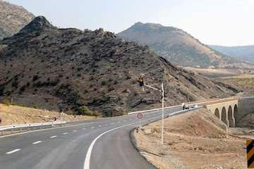 احداث چهارخطه سقز- بانه  در دستور کار راه و شهرسازی کردستان