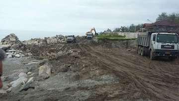 تخریب ۳ سازه غیرمجاز دریایی در سواحل مازندران