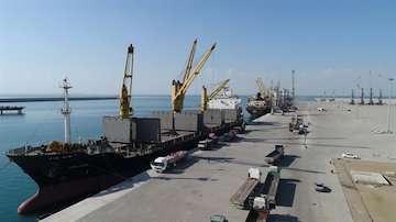 اولین کشتی حامل جو در بندر شهید بهشتی چابهار پهلو گرفت