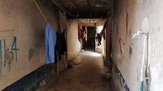 زندگی سخت در خانه های مانده از جنگ