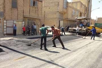 اجرای ۱۰۰۰ تن آسفالت برای توانمندسازی محله جویآباد خمینی شهر