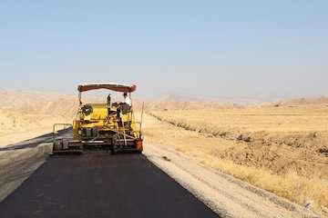 بازدید مدیرکل راه وشهرسازی استان ایلام از محور چم سرخ- حاضر میل
