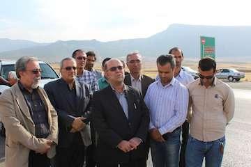 بازدید مدیرکل ساخت و توسعه راه های غرب و مرکز از پرو ژه های راه سازی استان ایلام