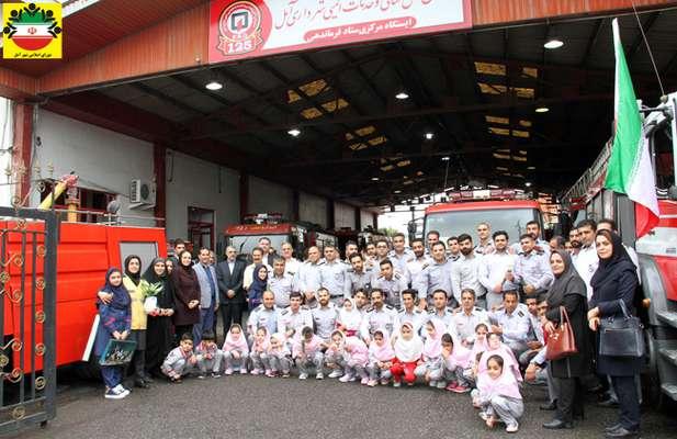 دیدار اعضای شورای اسلامی شهر آمل با آتش نشانان به مناسبت ۷ مهر روز آتش نشانی و ایمنی – عکس