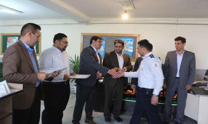 تجلیل شهردار نهاوند از آتش نشانان به مناسبت روز آتش نشانی و ایمنی