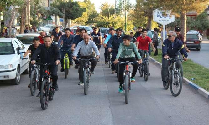 برگزاری همایش دوچرخه سواری به همت شهرداری نهاوند