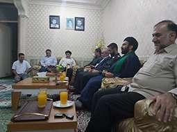 دیدار جمعی از مسئولین سد دز و شهرستان اندیمشک با خانواده شهدای سد دز