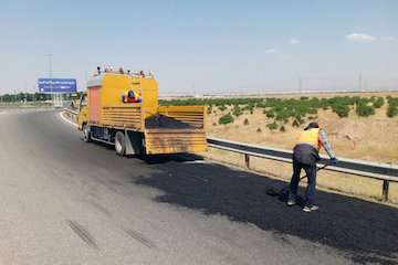 تسطیح و رگلاژ راه  خاکی و شنی ۵۲ روستا در شهرستان کوثر اردبیل